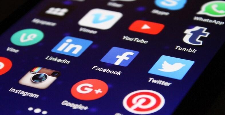 Πως τα social media βλάπτουν την εργασία σας | jobstoday.gr