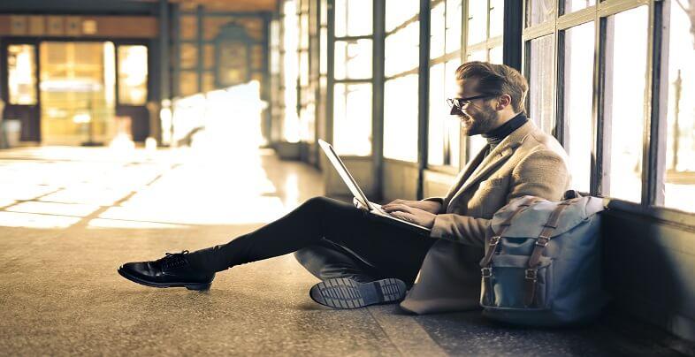 Εργασία στο εξωτερικό: Γιατί ωφελεί την καριέρα; | jobstoday.gr