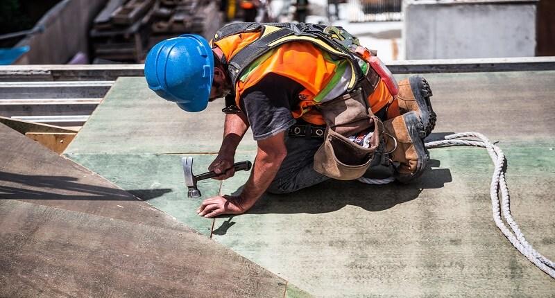 Καύσωνας και εργασία: Πως να προστατευτείς | jobstoday.gr