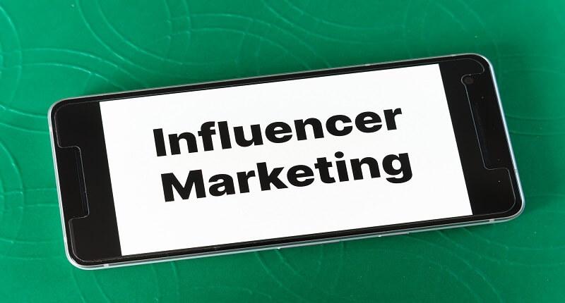 Ιnfluencer marketing: πώς βοηθά μια επιχείρηση | jobstoday.gr