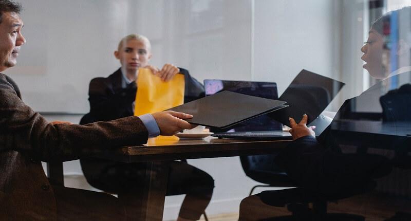Κενές θέσεις εργασίας: πού αναζητούνται υπάλληλοι | jobstoday.gr